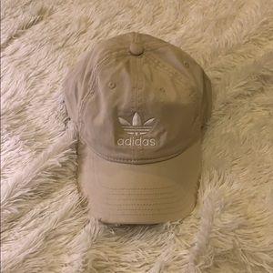 Adidas dad hat